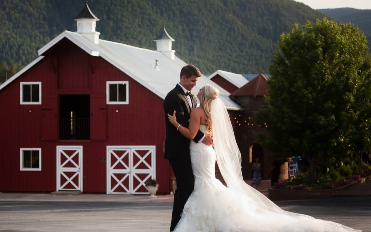 Lauren and LD's Crooked Willow Farms Wedding