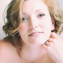 tasteful boudoir picture